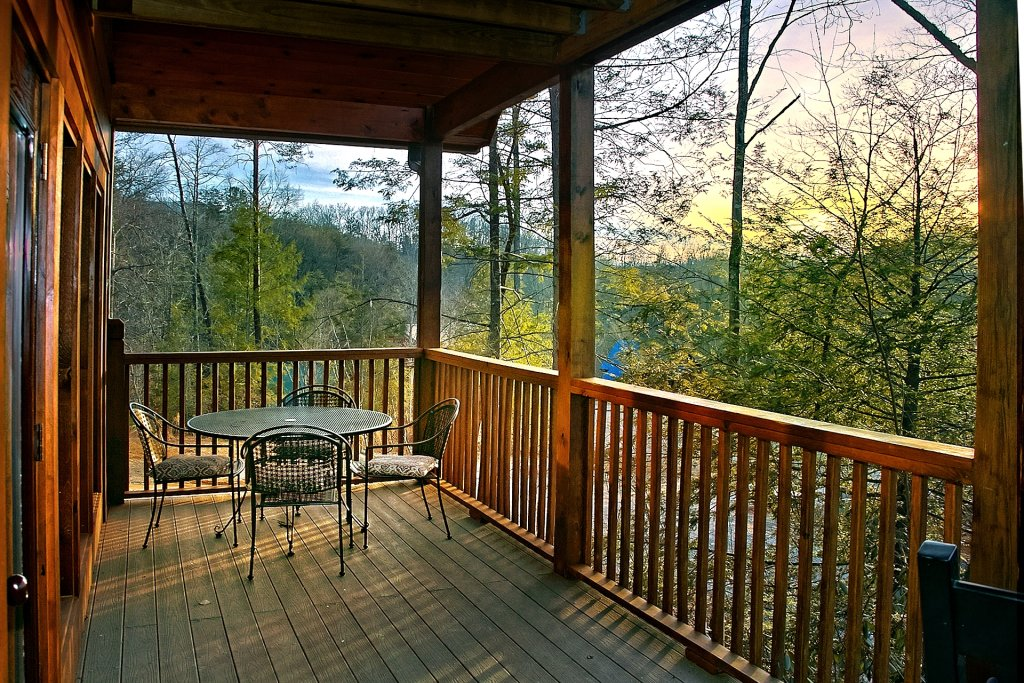Photo of a Gatlinburg Cabin named Basswood Lodge - This is the seventh photo in the set.