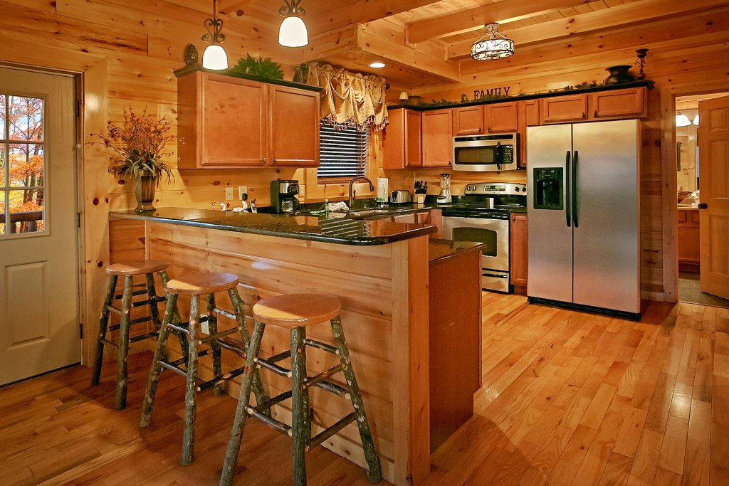 Photo of a Gatlinburg Cabin named Basswood Lodge - This is the fourteenth photo in the set.
