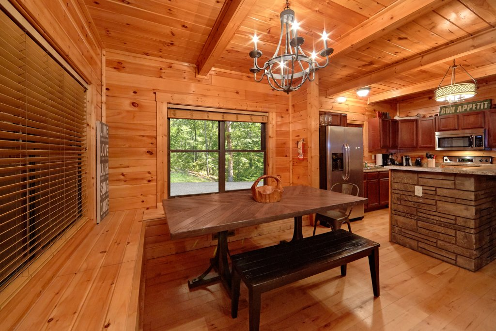 Photo of a Gatlinburg Cabin named Misty Mountain Lodge - This is the fortieth photo in the set.