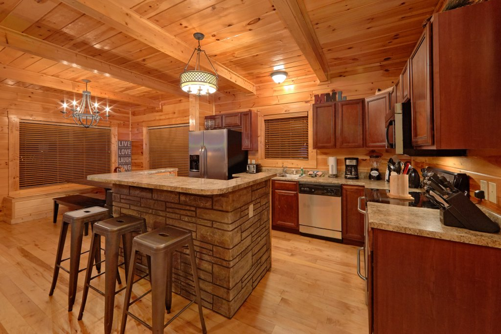 Photo of a Gatlinburg Cabin named Misty Mountain Lodge - This is the thirty-ninth photo in the set.