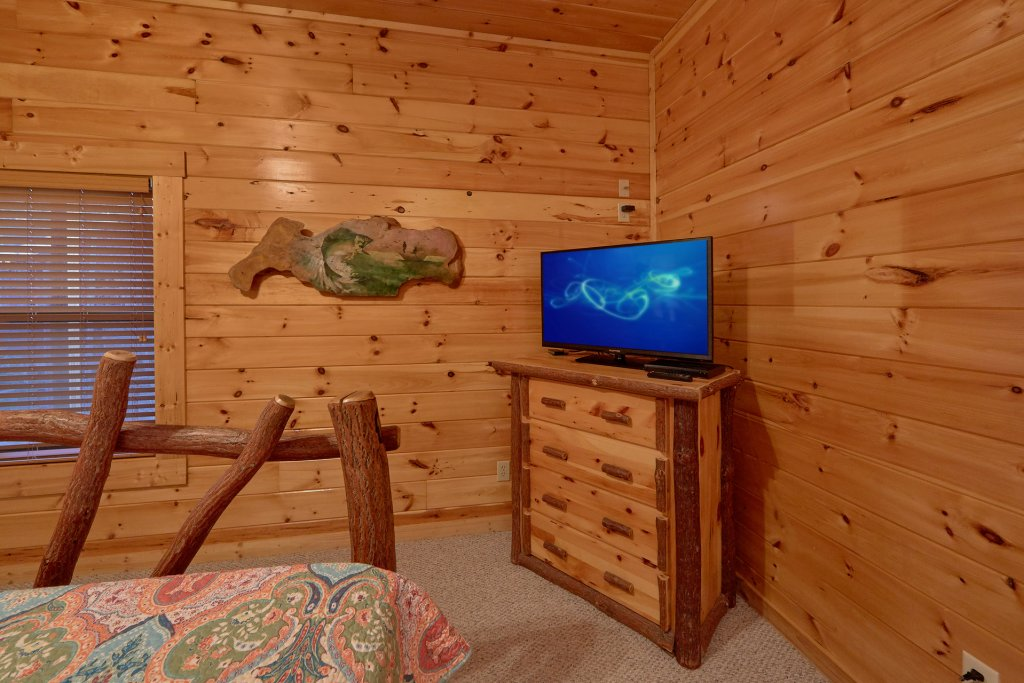 Photo of a Gatlinburg Cabin named Misty Mountain Lodge - This is the forty-sixth photo in the set.