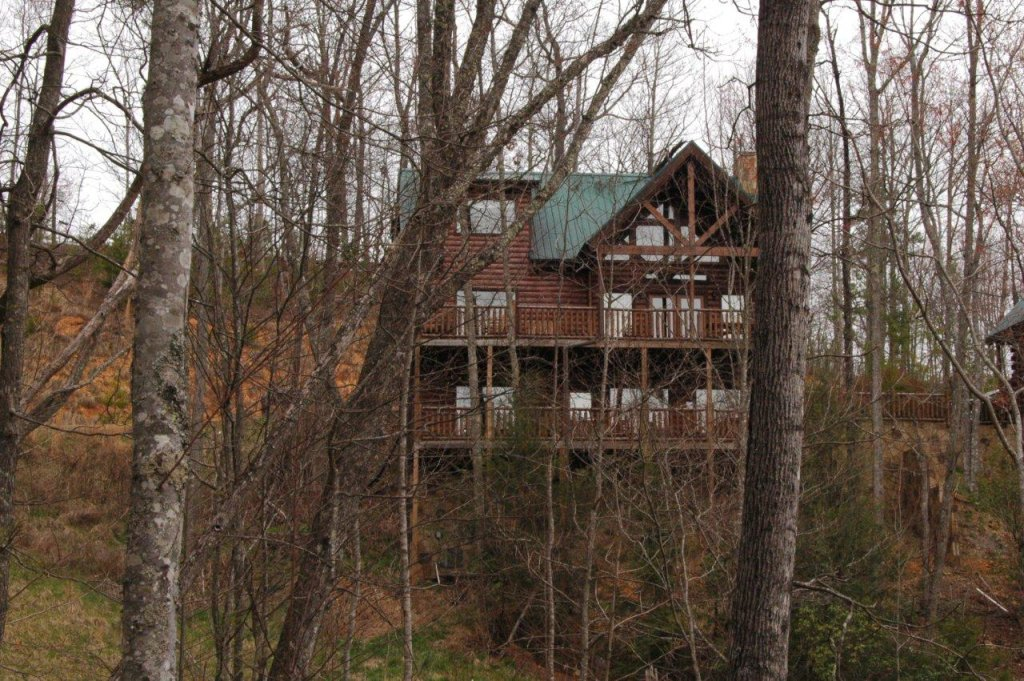 Photo of a Gatlinburg Cabin named Buck Naked Lodge #327 - This is the first photo in the set.
