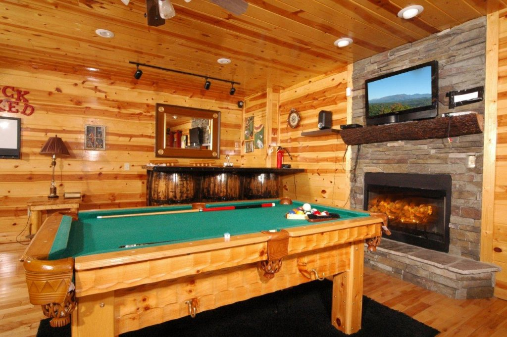 Photo of a Gatlinburg Cabin named Buck Naked Lodge #327 - This is the ninth photo in the set.