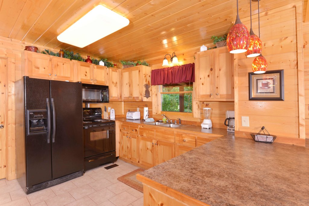 Photo of a Pigeon Forge Cabin named Whispering Creek #302 - This is the ninth photo in the set.
