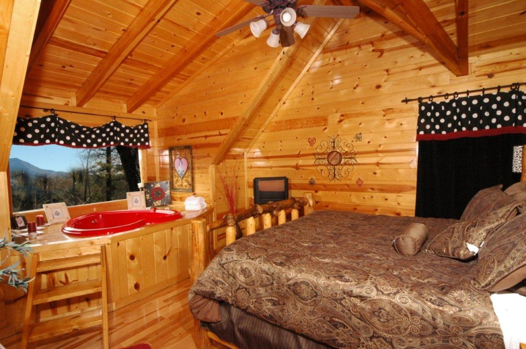 Photo of a Gatlinburg Cabin named Buck Naked Lodge #327 - This is the sixteenth photo in the set.