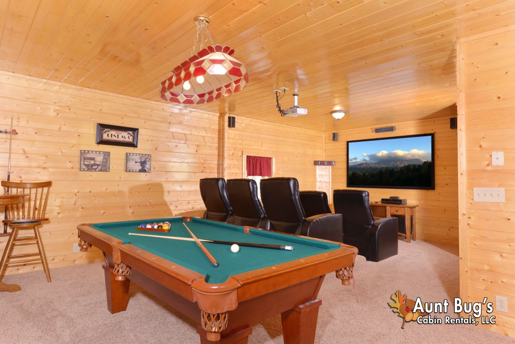 Photo of a Pigeon Forge Cabin named Whispering Creek #302 - This is the sixth photo in the set.