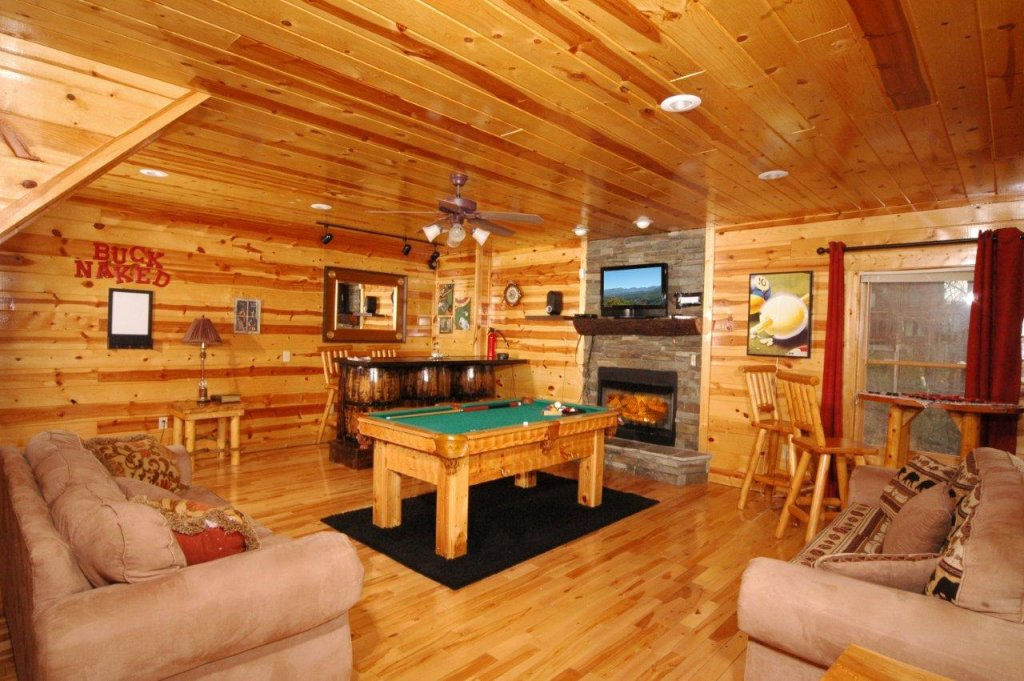 Photo of a Gatlinburg Cabin named Buck Naked Lodge #327 - This is the seventeenth photo in the set.