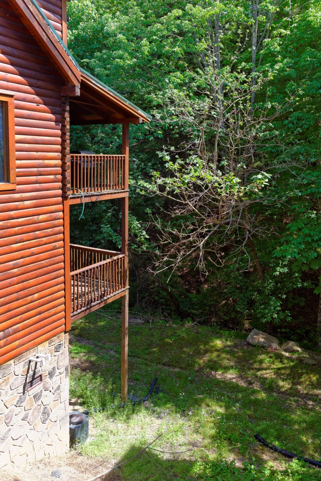 Photo of a Pigeon Forge Cabin named Whispering Creek #302 - This is the twenty-fifth photo in the set.