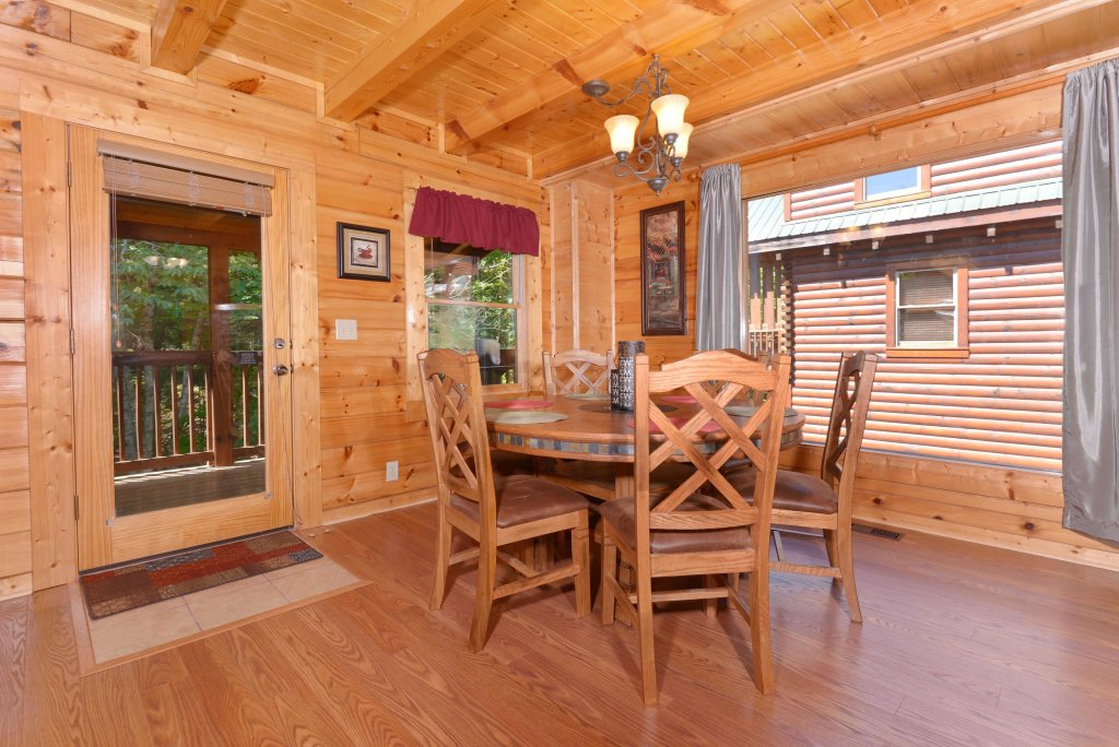 Photo of a Pigeon Forge Cabin named Whispering Creek #302 - This is the twenty-sixth photo in the set.