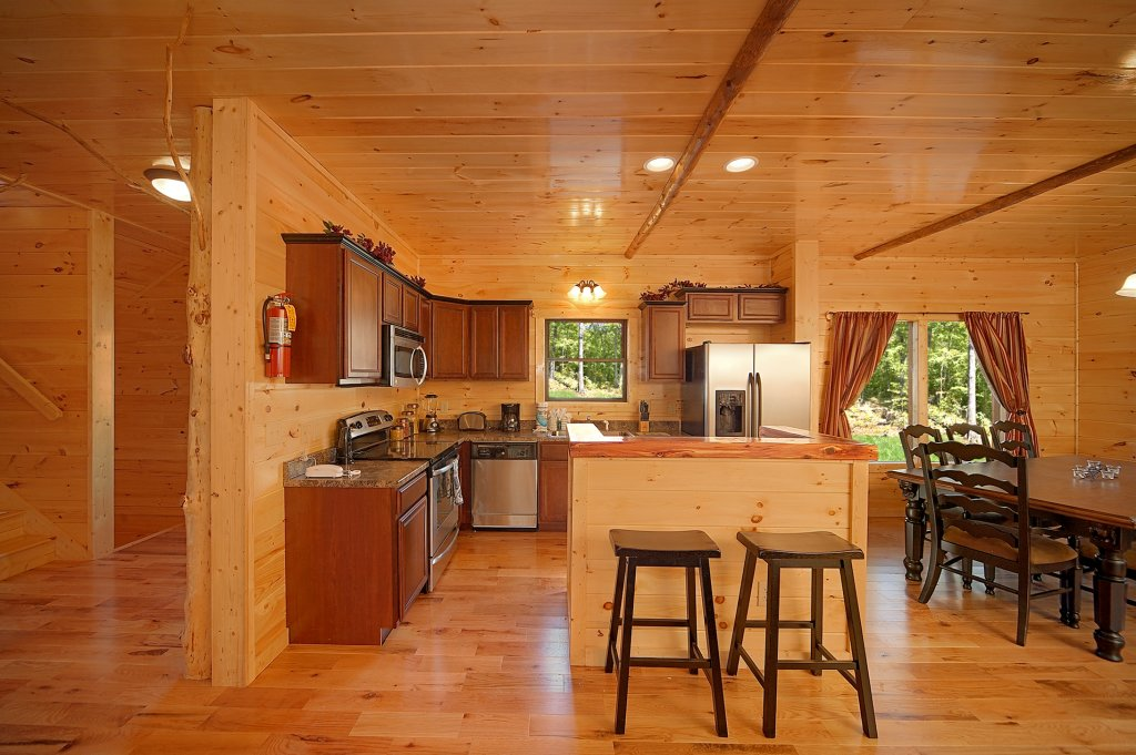 Photo of a Gatlinburg Cabin named Lumberjack Lodge - This is the fourteenth photo in the set.