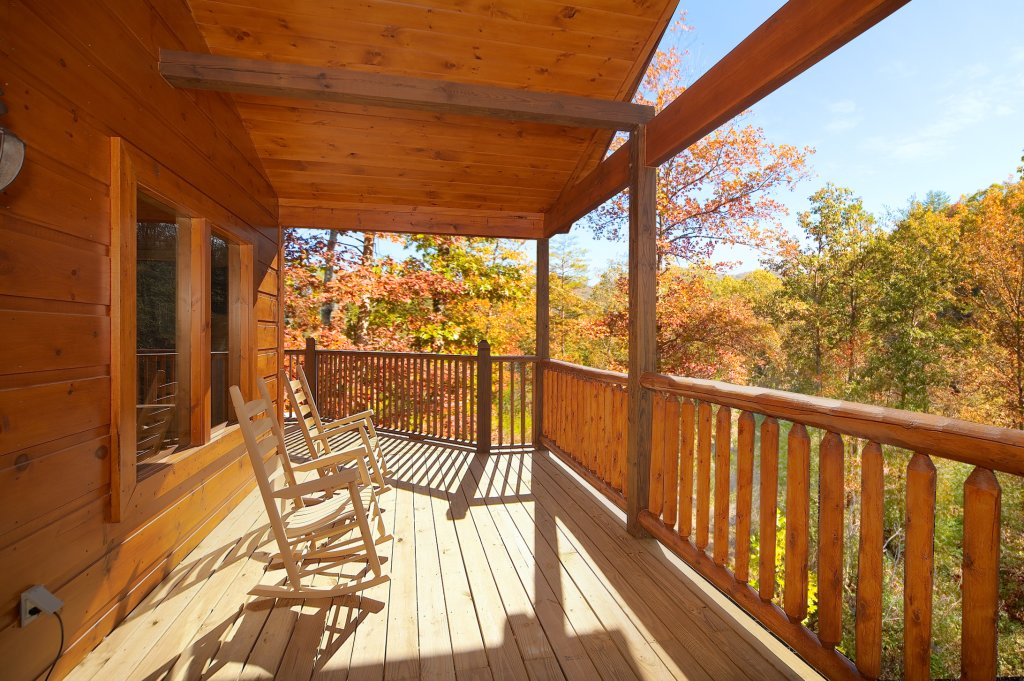 Photo of a Gatlinburg Cabin named Lumberjack Lodge - This is the eighth photo in the set.