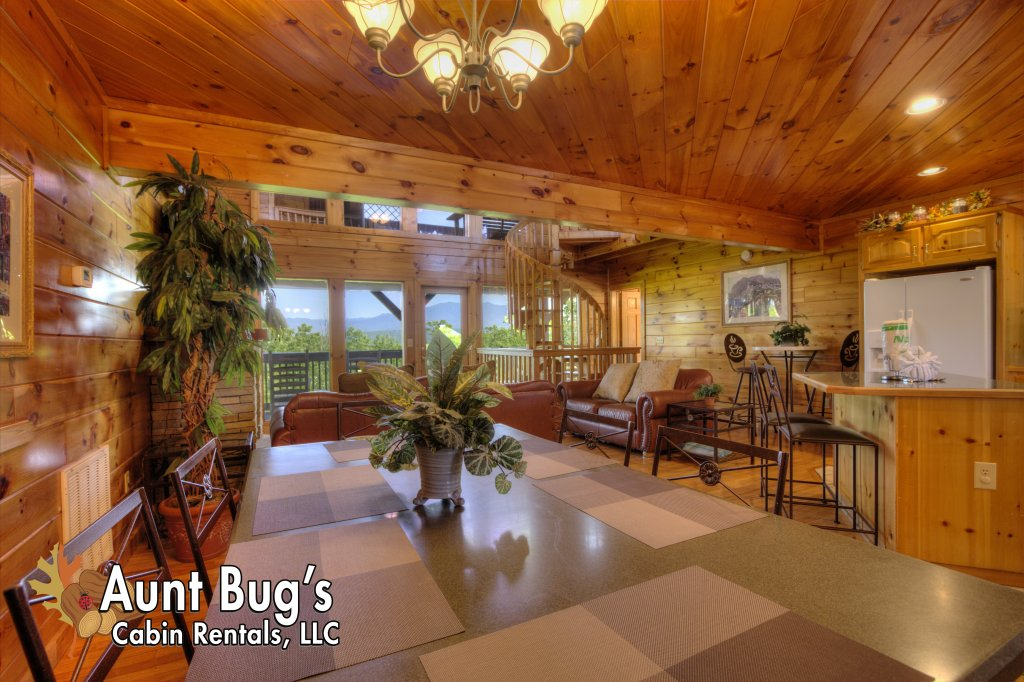 Photo of a Pigeon Forge Cabin named Villa Italia #425 - This is the fifty-second photo in the set.