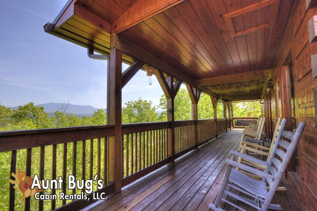 Photo of a Pigeon Forge Cabin named Villa Italia #425 - This is the fifty-seventh photo in the set.