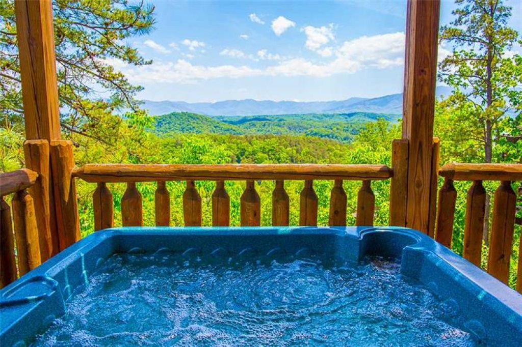 Photo of a Pigeon Forge Cabin named King's View - This is the second photo in the set.