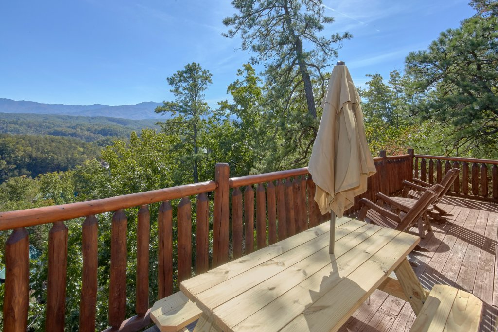 Photo of a Pigeon Forge Cabin named King's View - This is the eleventh photo in the set.