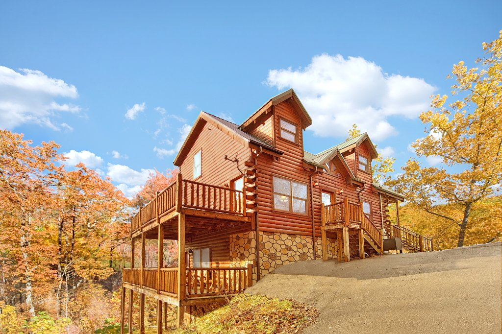Photo of a Gatlinburg Cabin named A Secret Splash - This is the fourteenth photo in the set.
