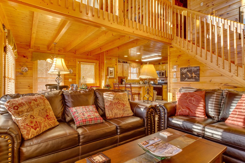 Photo of a Pigeon Forge Cabin named Tennessee Dreams - This is the second photo in the set.