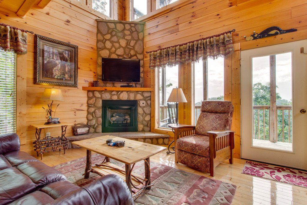 Photo of a Pigeon Forge Cabin named Panoramic Point - This is the second photo in the set.
