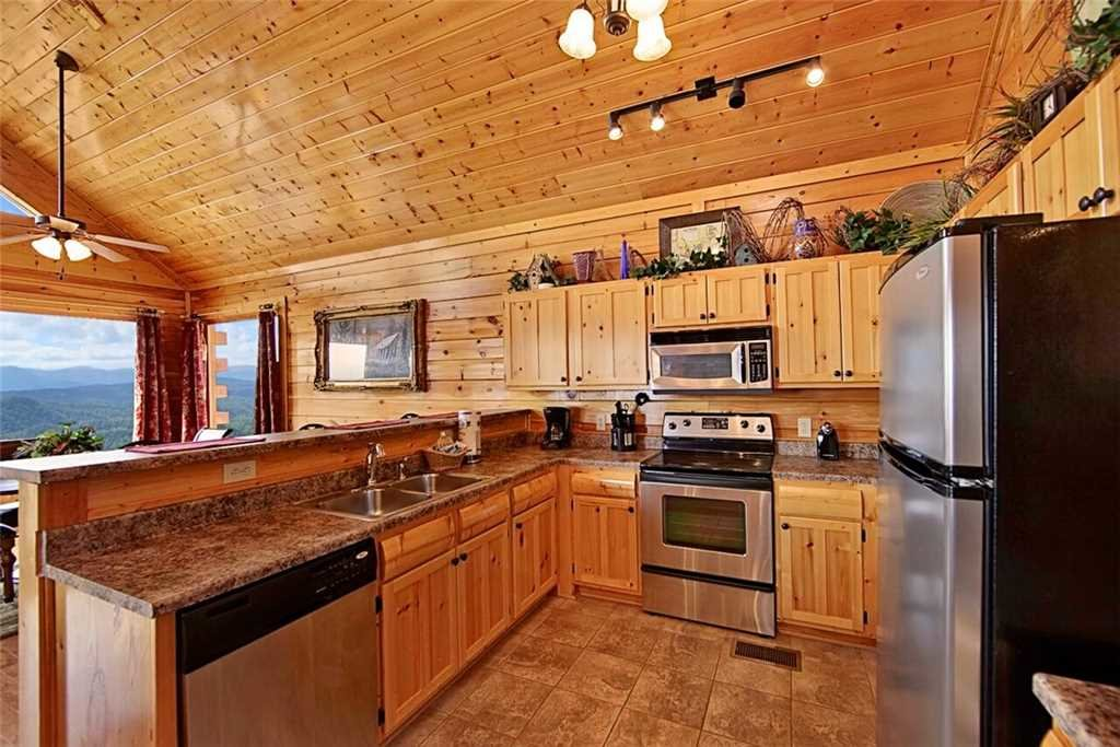 Photo of a Pigeon Forge Cabin named Shooting Star - This is the fifth photo in the set.