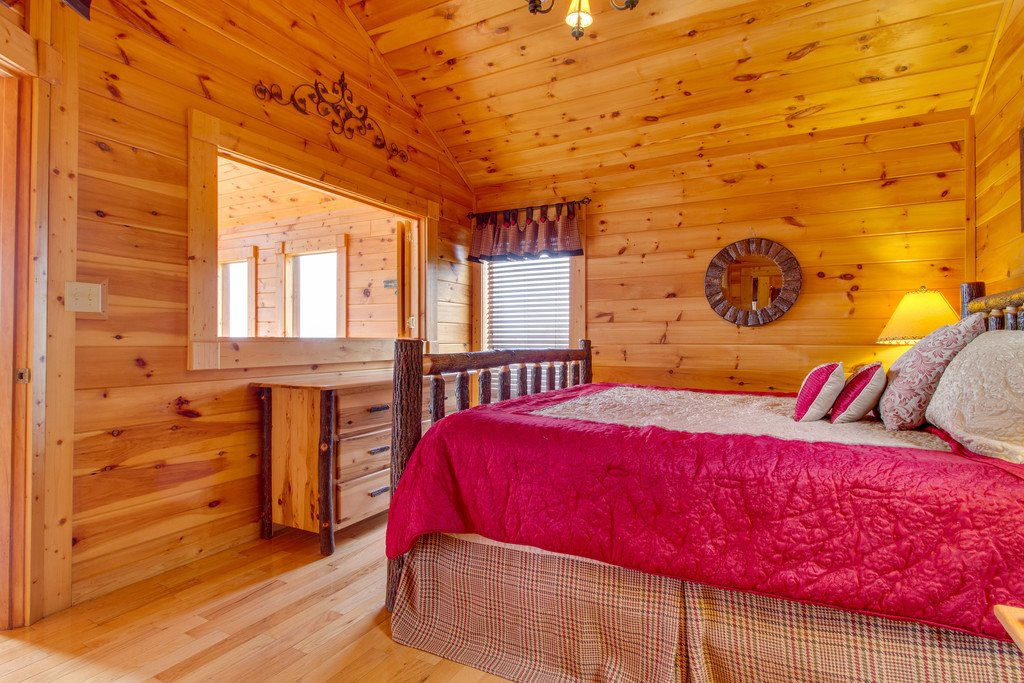 Photo of a Pigeon Forge Cabin named Panoramic Point - This is the fourteenth photo in the set.