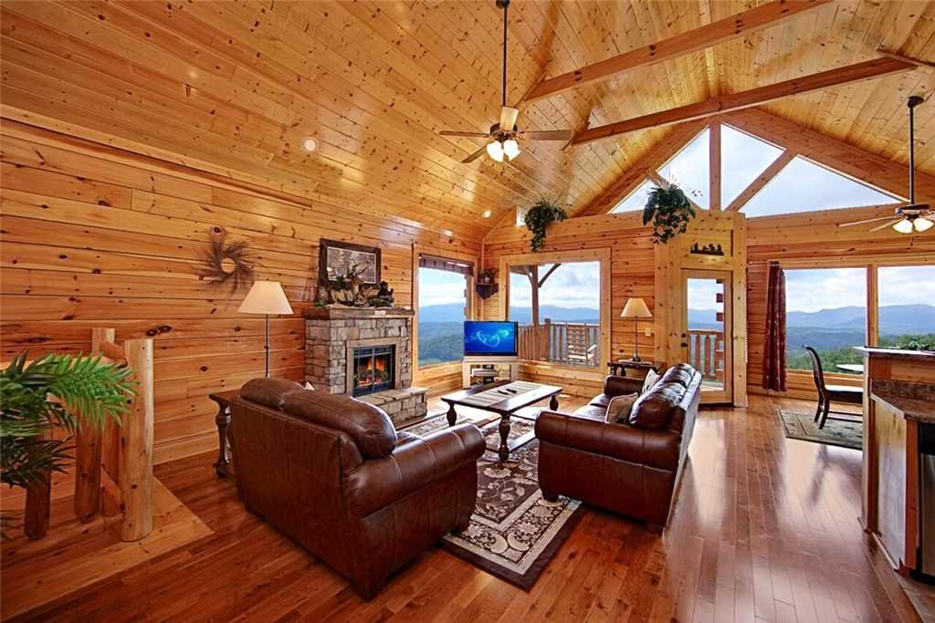 Photo of a Pigeon Forge Cabin named Shooting Star - This is the second photo in the set.