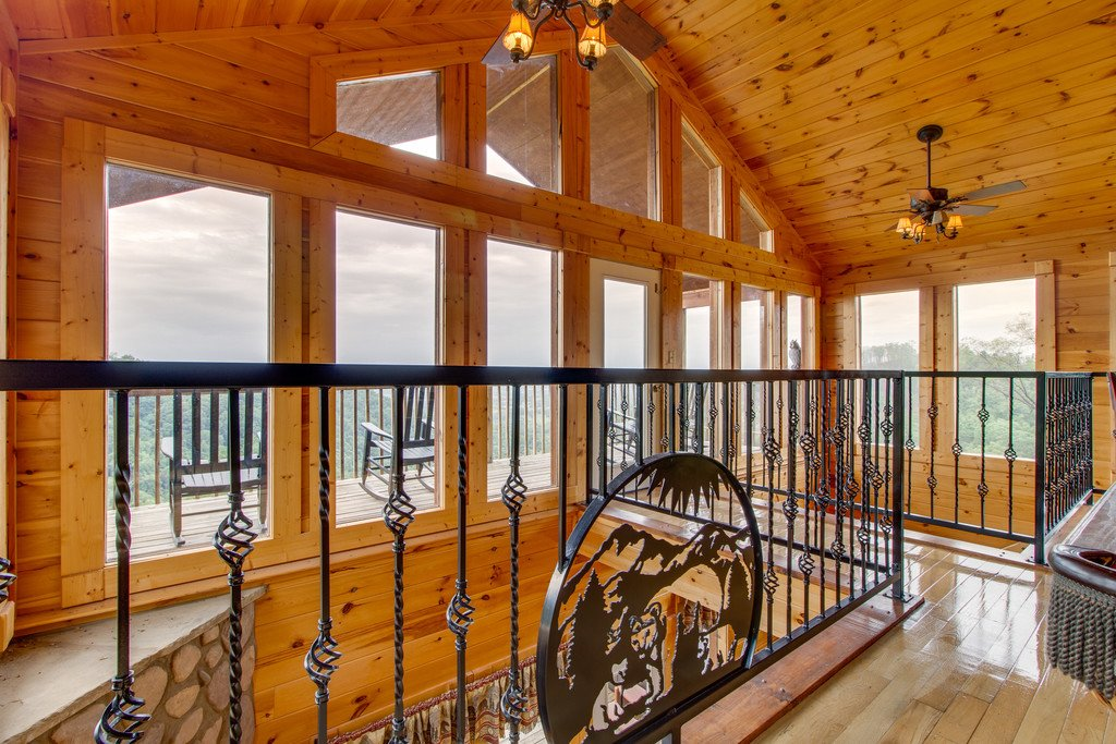 Photo of a Pigeon Forge Cabin named Panoramic Point - This is the twenty-fourth photo in the set.