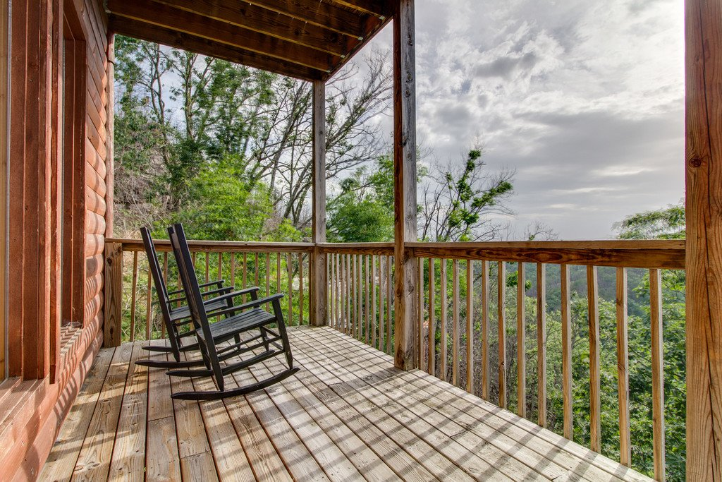 Photo of a Pigeon Forge Cabin named Panoramic Point - This is the thirty-fifth photo in the set.