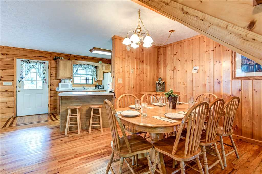 Photo of a Pigeon Forge Cabin named Hawks Point Lodge - This is the sixth photo in the set.