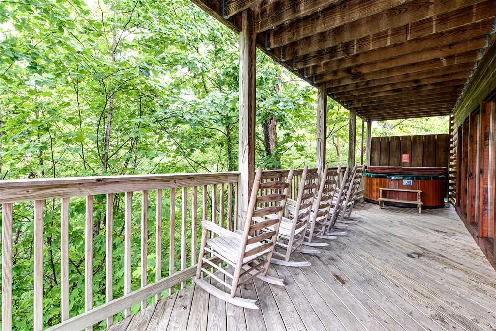 Photo of a Pigeon Forge Cabin named Hawks Point Lodge - This is the twenty-fifth photo in the set.
