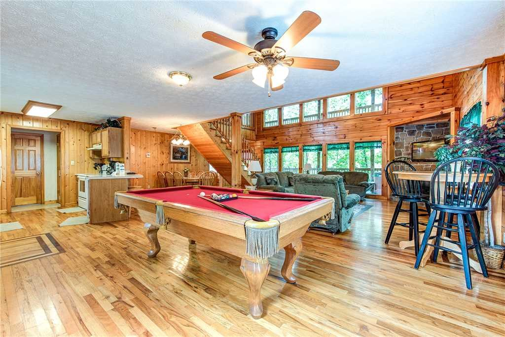 Photo of a Pigeon Forge Cabin named Hawks Point Lodge - This is the eighth photo in the set.