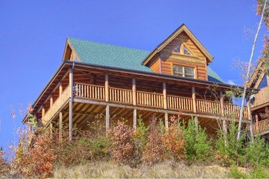 Smoky Mountain 2 Bedroom Cabin Rental with Air Hockey, Pool Table and Hot Tub