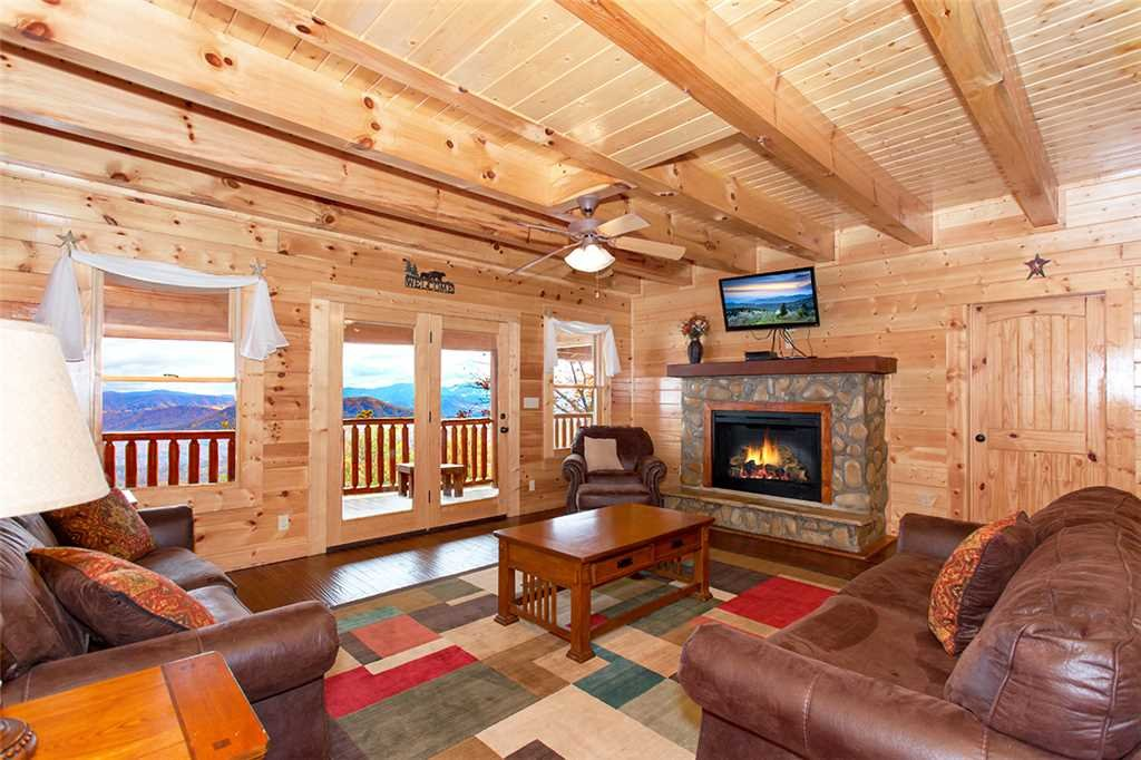 Photo of a Sevierville Cabin named Dream View Manor - This is the eighth photo in the set.