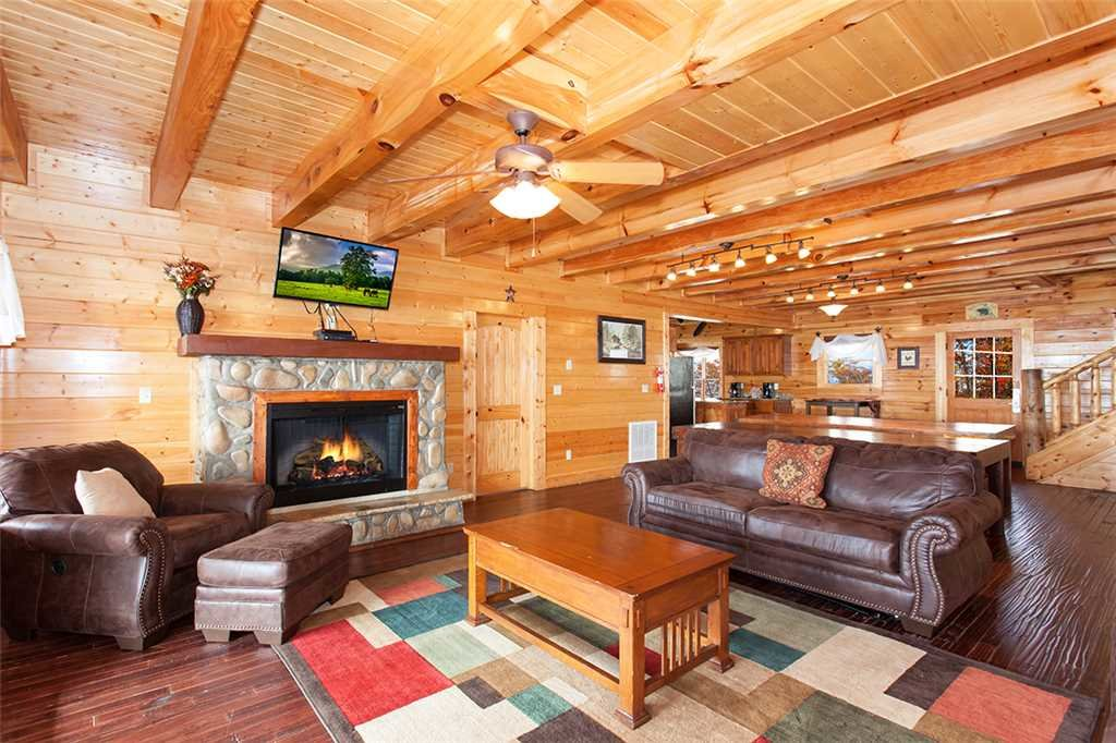 Photo of a Sevierville Cabin named Dream View Manor - This is the twelfth photo in the set.