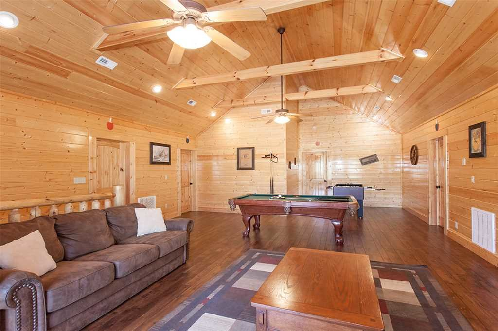 Photo of a Sevierville Cabin named Dream View Manor - This is the thirty-ninth photo in the set.