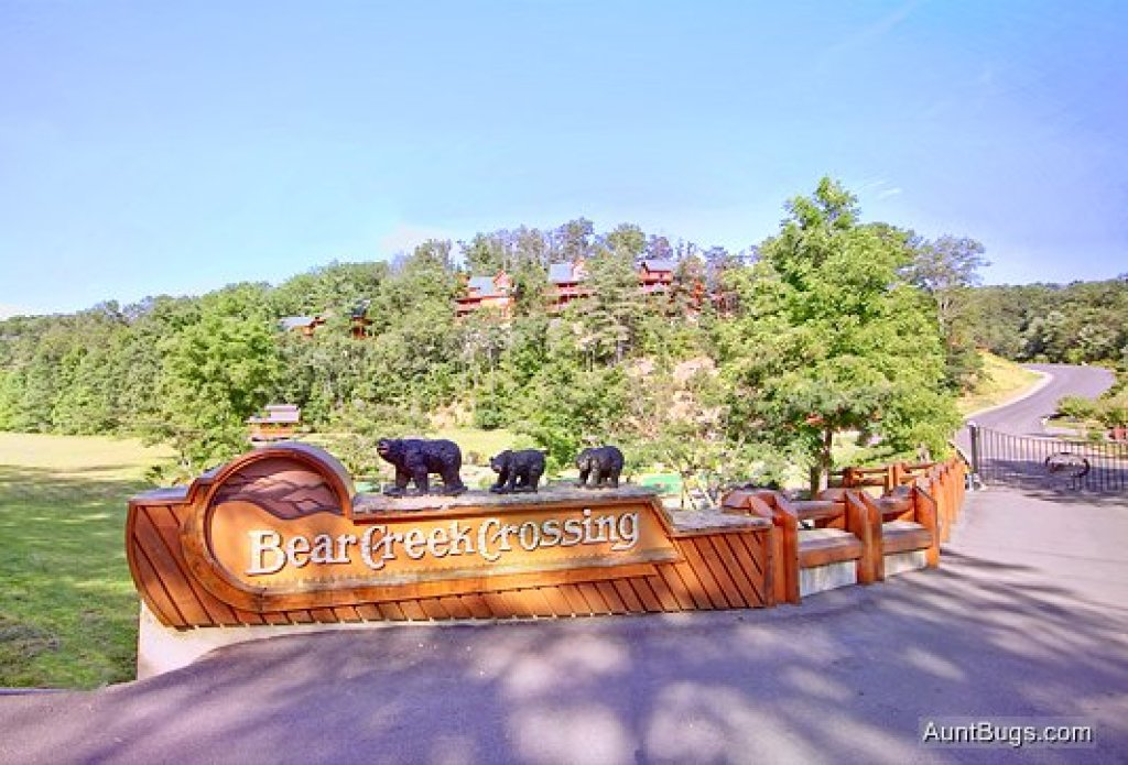 Photo of a Pigeon Forge Cabin named Bear Hug #275 - This is the fourteenth photo in the set.