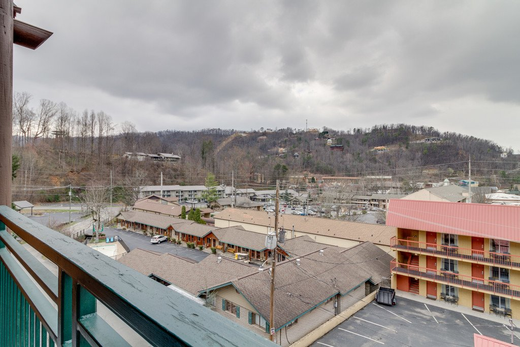 Photo of a Gatlinburg Condo named Baskins Creek 414 - This is the tenth photo in the set.
