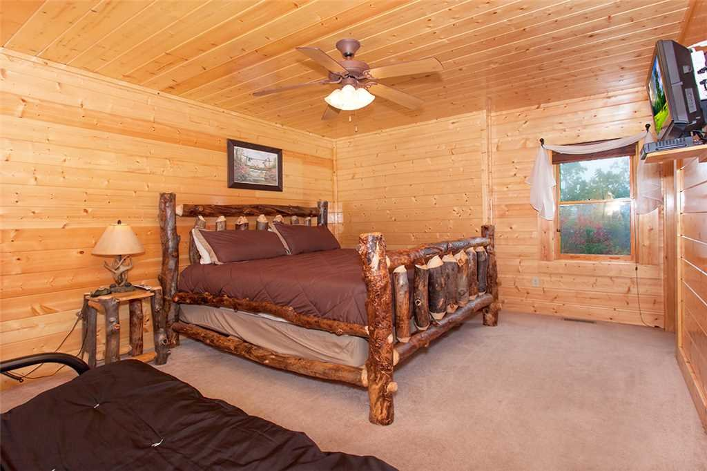 Photo of a Pigeon Forge Cabin named Dream View Manor - This is the sixtieth photo in the set.