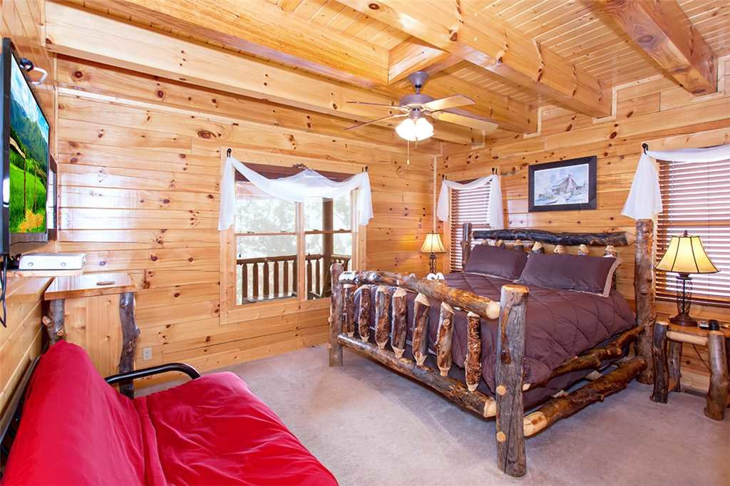 Photo of a Sevierville Cabin named Dream View Manor - This is the sixty-third photo in the set.