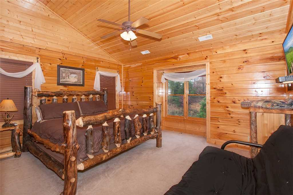 Photo of a Sevierville Cabin named Dream View Manor - This is the eighty-second photo in the set.
