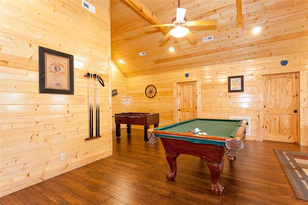 Photo of a Sevierville Cabin named Dream View Manor - This is the forty-third photo in the set.