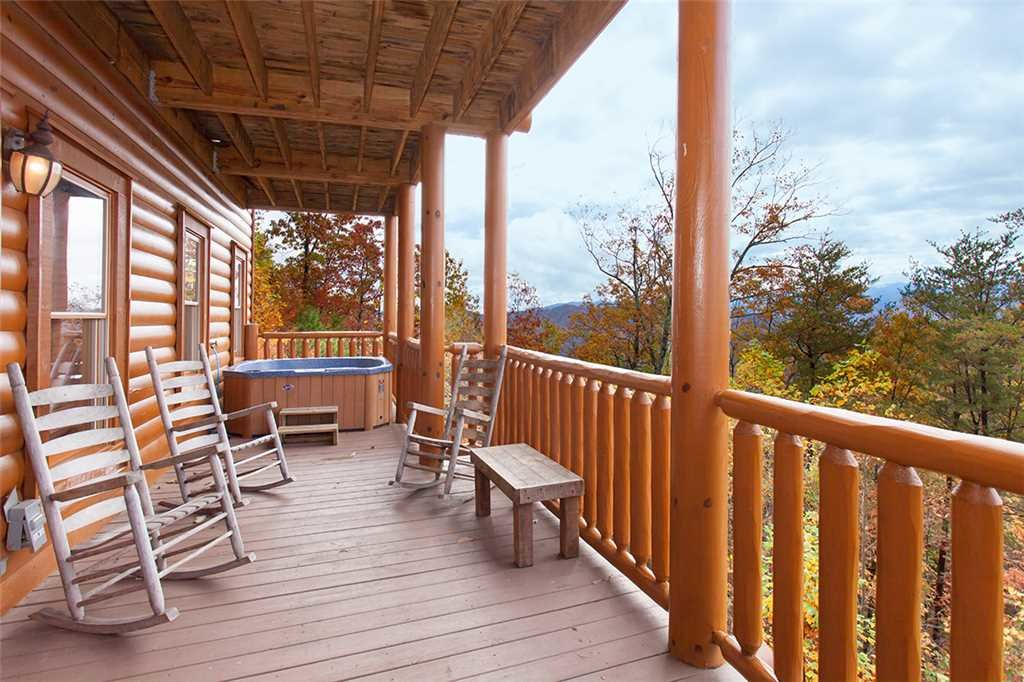Photo of a Sevierville Cabin named Dream View Manor - This is the one hundred and fourth photo in the set.