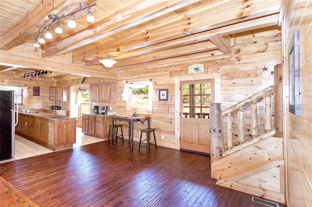Photo of a Sevierville Cabin named Morning View Manor - This is the twelfth photo in the set.
