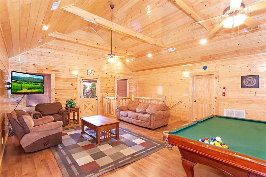 Photo of a Sevierville Cabin named Morning View Manor - This is the thirty-first photo in the set.