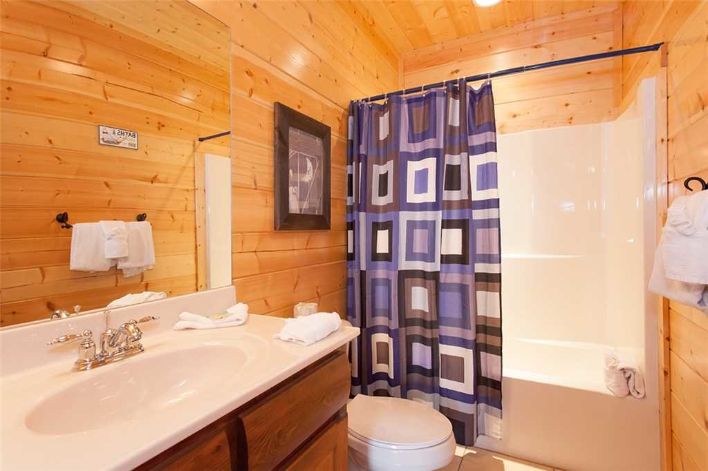 Photo of a Sevierville Cabin named Morning View Manor - This is the fifty-first photo in the set.