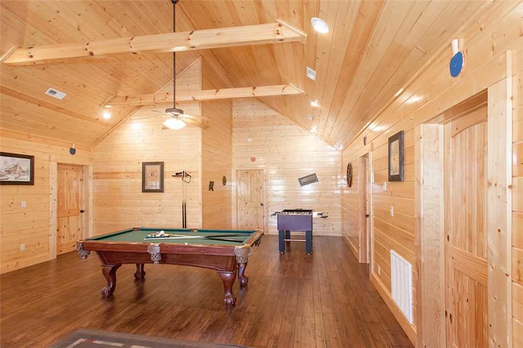 Photo of a Sevierville Cabin named Morning View Manor - This is the thirty-fifth photo in the set.