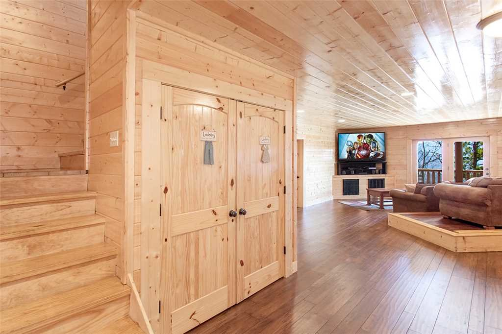 Photo of a Sevierville Cabin named Morning View Manor - This is the ninety-third photo in the set.