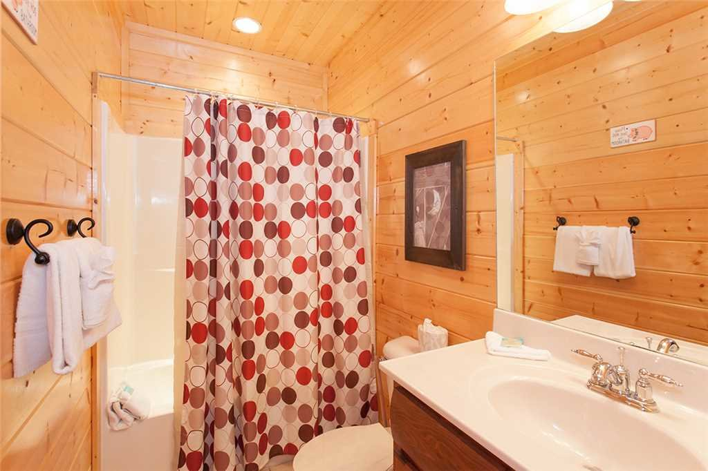Photo of a Sevierville Cabin named Morning View Manor - This is the forty-eighth photo in the set.
