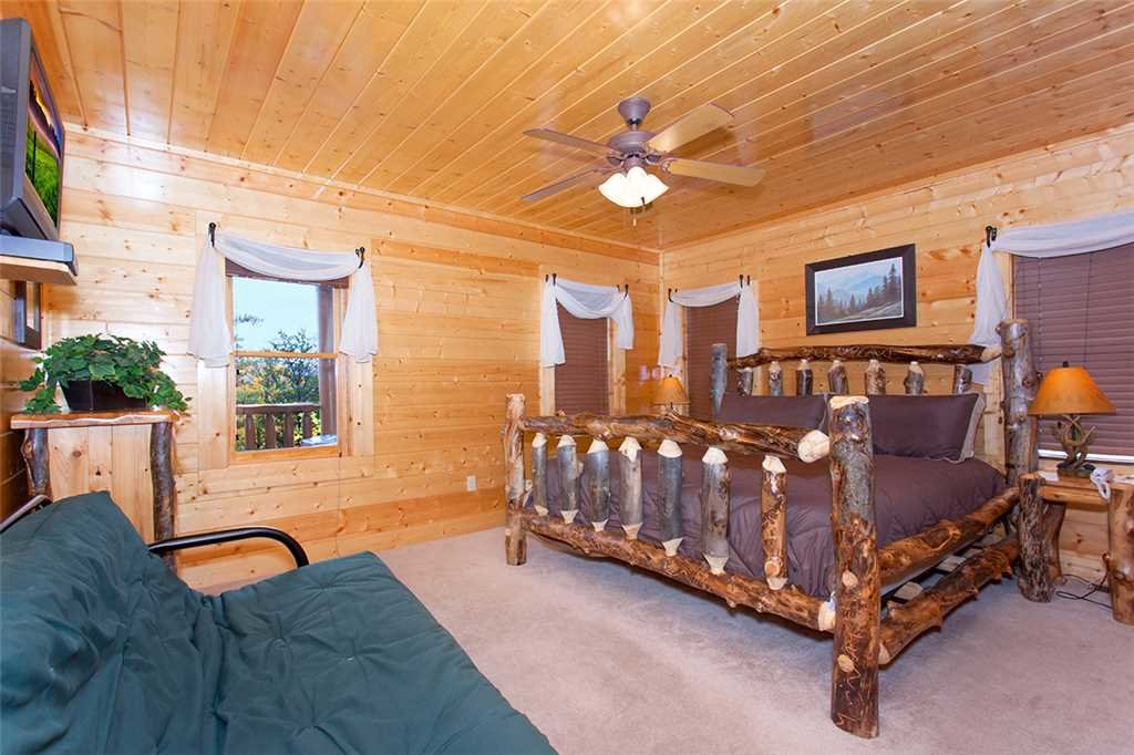 Photo of a Sevierville Cabin named Morning View Manor - This is the fiftieth photo in the set.