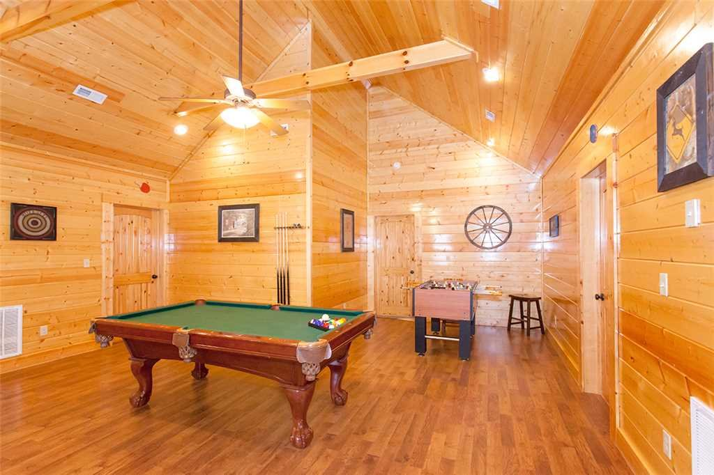 Photo of a Sevierville Cabin named Morning View Manor - This is the thirty-eighth photo in the set.