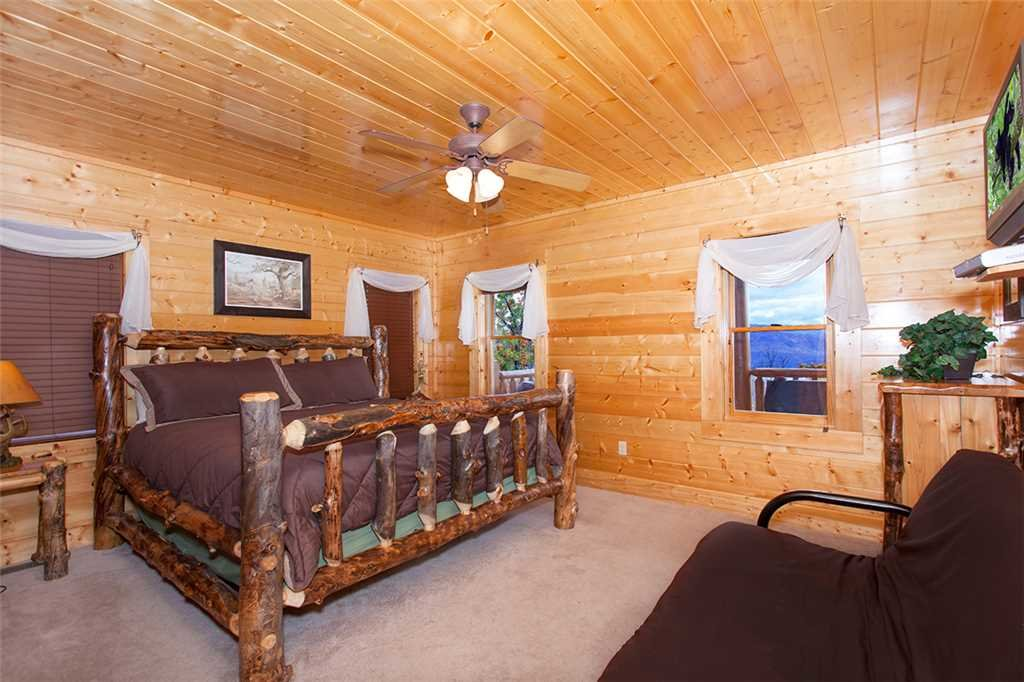 Photo of a Sevierville Cabin named Morning View Manor - This is the forty-second photo in the set.